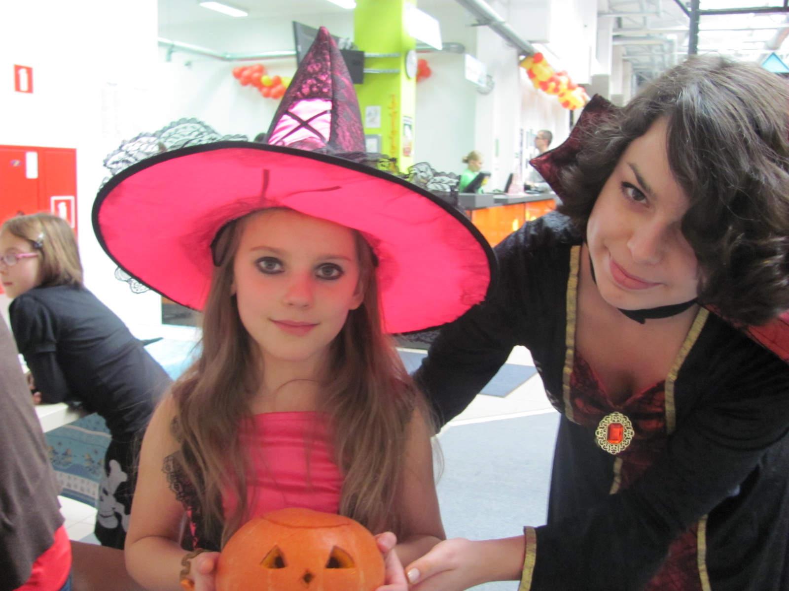 Straszne Halloween w Loopy's!